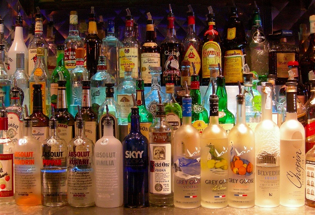 bar_alcohol_creative_commons.jpg