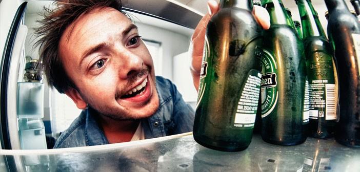 man-grabbing-beer-by-tom-roeleveld-creative-commons.jpg